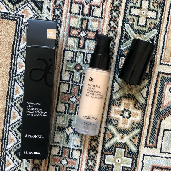 Arbonne Other - Arbonne Perfecting Liquid Foundation (Alabaster)